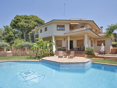 Photo for Villa El Faro - Six Bedroom Apartment, Sleeps 14