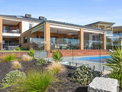 Photo for Tranquil family friendly, city/bay views, pool and spa - Mount Martha