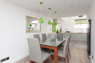 Dining table extends to seat 8