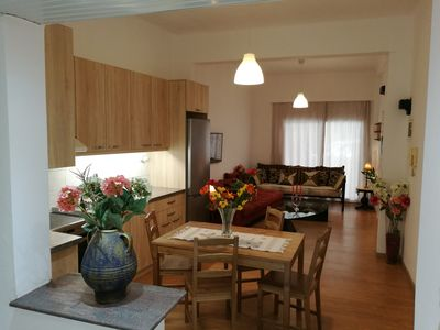 Photo for Quiet Spacious Maisonette in Ideal Central Town Point