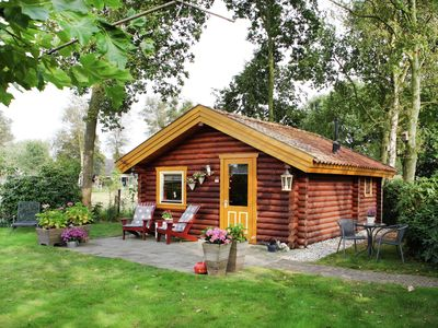 Photo for Cottage Near Lake & Forest with Garden in Gramsbergen