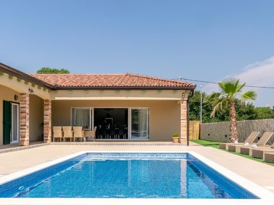 Photo for Amazing villa with private swimming pool, roofed terrace, lovely outside kitchen