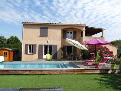 Photo for Spacious villa with air conditioning and pool near Sommières center