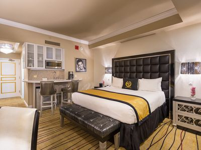 Photo for 2 bed/2bath luxury suite on Vegas strip