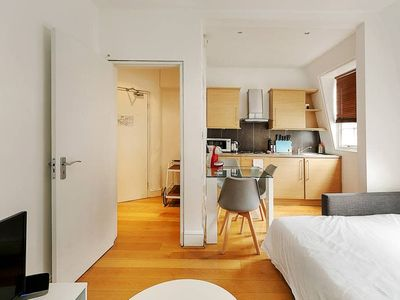 Photo for Modern 2-Bed flat, sleeps 6, in the heart of Soho