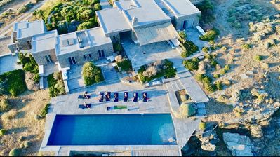 Photo for Architect stone villa, 6 suites, pool at the top of the hill