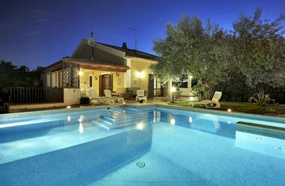 Photo for Beautiful private villa with hot tub, A/C, private pool, WIFI, TV, pets allowed and parking