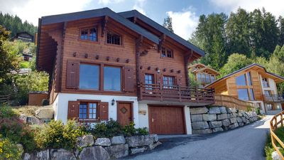 Photo for Beautiful Chalet with mountain views, close to ski-lifts, bars and restaurants