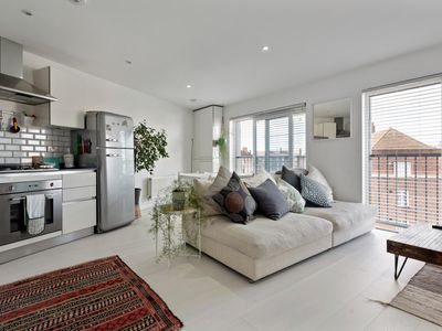 Photo for Chic, Modern 1-Bed Flat near Stratford