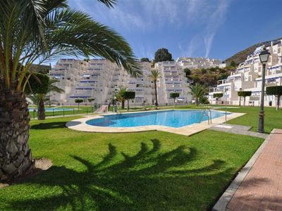 Photo for Lovely 2 bedroom apartment, 5 minutes from beach, bars and restaurants.