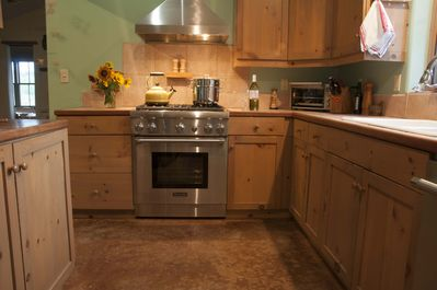 Kitchen with new Thermador range ready for foodies!