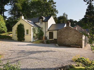 Photo for 2 bedroom property in Dalbeattie. Pet friendly.