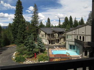 Photo for Pet Friendly On Ten Mile Creek. Clubhouse Has Outdoor Heated Pool, 3 Hot Tubs, Walk To Main St