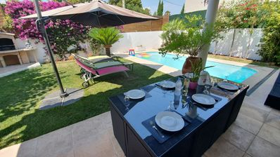 Photo for Modern Villa, Center, Swimming Pool, 5min Sea, Air Conditioning, Parking
