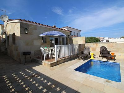 Photo for Peaceful Holiday Home with Private Pool in Empuriabrava