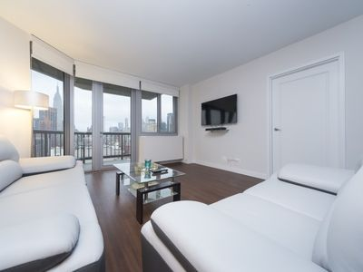 Photo for 2BR APARTMENT RIVER VIEWS-LUXURIOUS-GYM