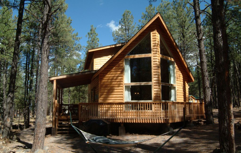 Moose manor beautiful luxury cabin in gra vrbo for Az cabin rentals with hot tub