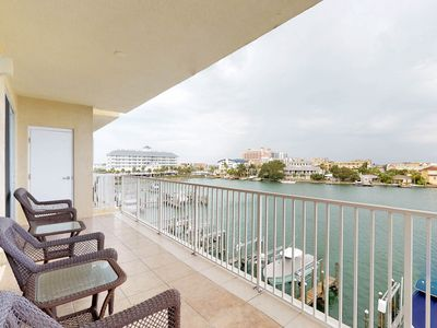Photo for Classic, waterfront condo w/ shared pool & intracoastal views - walk to dining