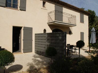 Photo for T1 apartment in a charming Provencal farmhouse T1 rdc