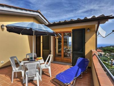 Photo for In good location and with sea view - Casa Consuelo - Appartamento 2