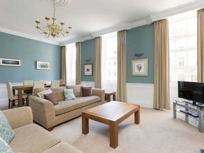 Photo for Amazing Hanover St Apt In City Centre (2bd/2bath)