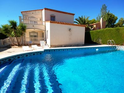 Photo for Beautiful villa with private pool. Only 1.2 km from the beach!