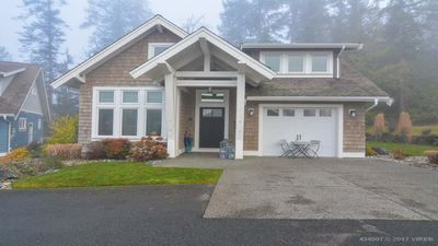 Photo for Gorgeous, Private, Pet Friendly 3 Bedroom Luxury Home