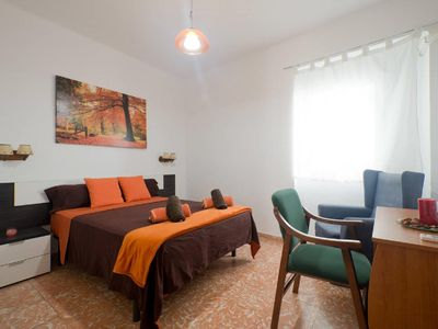 Photo for Room & Breakfast + PARKING + WIFI + 5'Alhambra 1