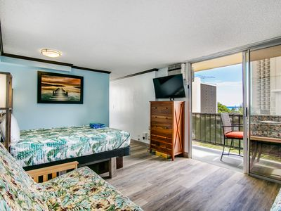 Photo for Comfortable, Bright and airy condo w/ full kitchen, sleeps four