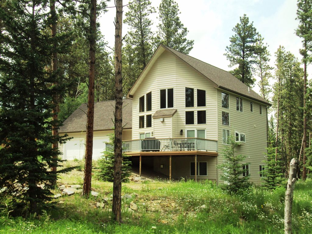 Large cabin by atv snowmobile trails deadwood internet for Cabins near deadwood sd