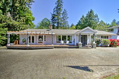Book this stunning vacation rental getaway for your next Puget Sound retreat!