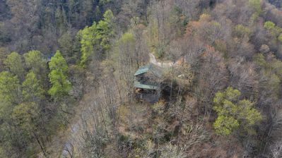 Photo for Smoky Mountain Cabin, Amazing Views, Hot tub, Open Floor Plan!