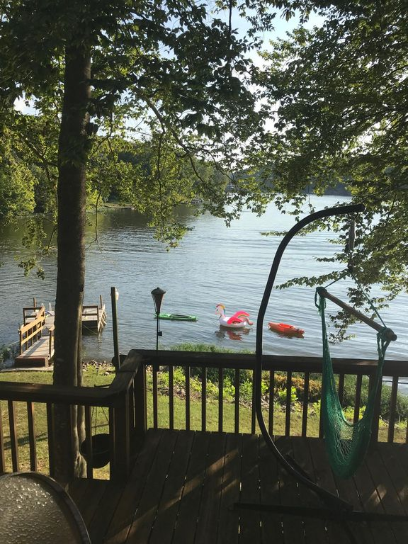 Cabin on the water of Lake Malone - Lewisburg