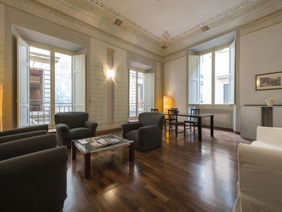Photo for Tornaquinci Apartment - Luxury next to the Duomo