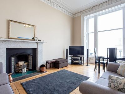 Photo for Old Town Stylish Apartment - 5 Mins Walk to Castle
