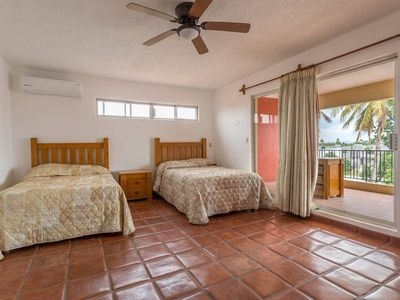 Photo for 2 Queen size beds with private bathroom