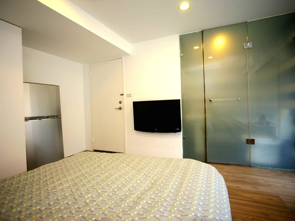 Luxury Balcony Suite near MRT Taipei 101