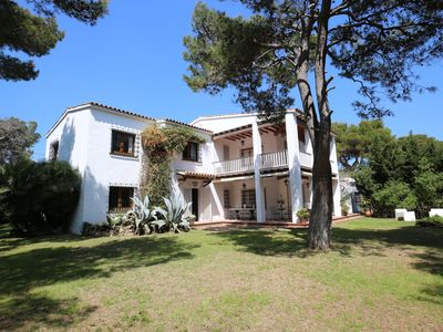 Photo for Beautiful Villa Joana close to beach, private pool and lush gardens