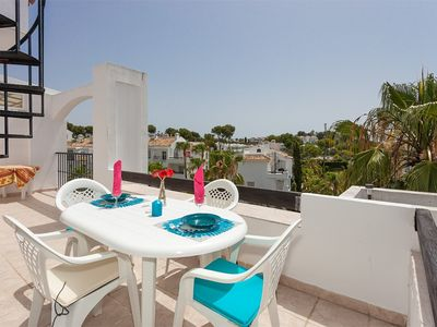 Photo for Bright apartment, sea view; 3 swimming pools, bar and garden in residence.