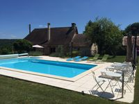 This was the perfect haven for our family - ideal layout, very comfortable and a great location