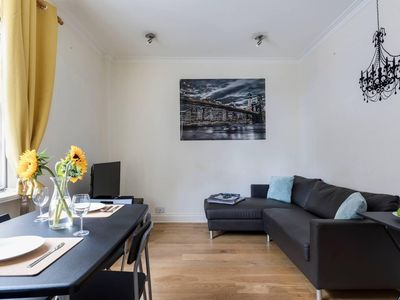 Photo for Bright 3BR Flat in the Heart of Central London
