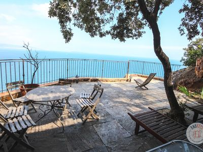 Photo for Exceptional villa with overall seaview on the bay of Cannes