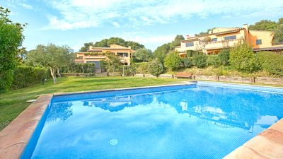 Photo for 5 bedroom Villa, sleeps 9 with Pool, WiFi and Walk to Beach & Shops