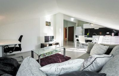Photo for Spacious apartment for 5 persons with Private Parking in Split