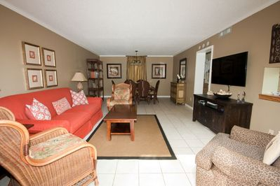 Seascape Villa 3088-Lovely updated living & dining room - You'll find the living room and dining room on the main level to be quite spacious . Sliding glass doors located just off the living room open to a large deck with relaxing view.