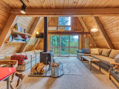 Photo for Dog-friendly cabin with room for eight, close ski access!
