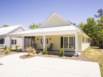 Photo for Scuba Steve's: 3 Bed/2 Bath Home with Modern Amenities