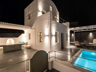 Photo for Deluxe Villa with Heated Private Pool Breakfast Included