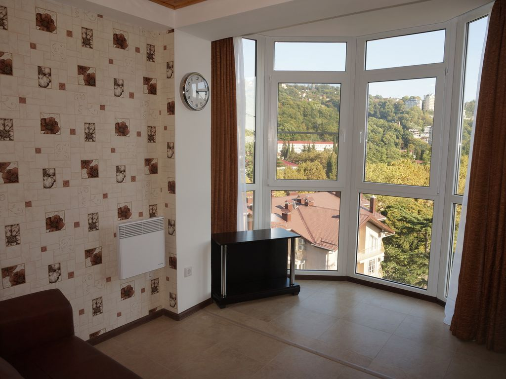 Studio apartment in Sochi (Wi-Fi, PS3) Photo 1