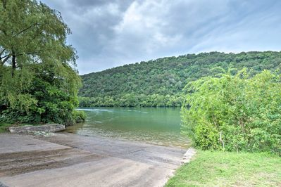 Just a block away, Lake Austin's outdoor adventure and local restaurants await.